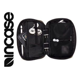 Incase Nylon Accessories Organizer, New in Packag.